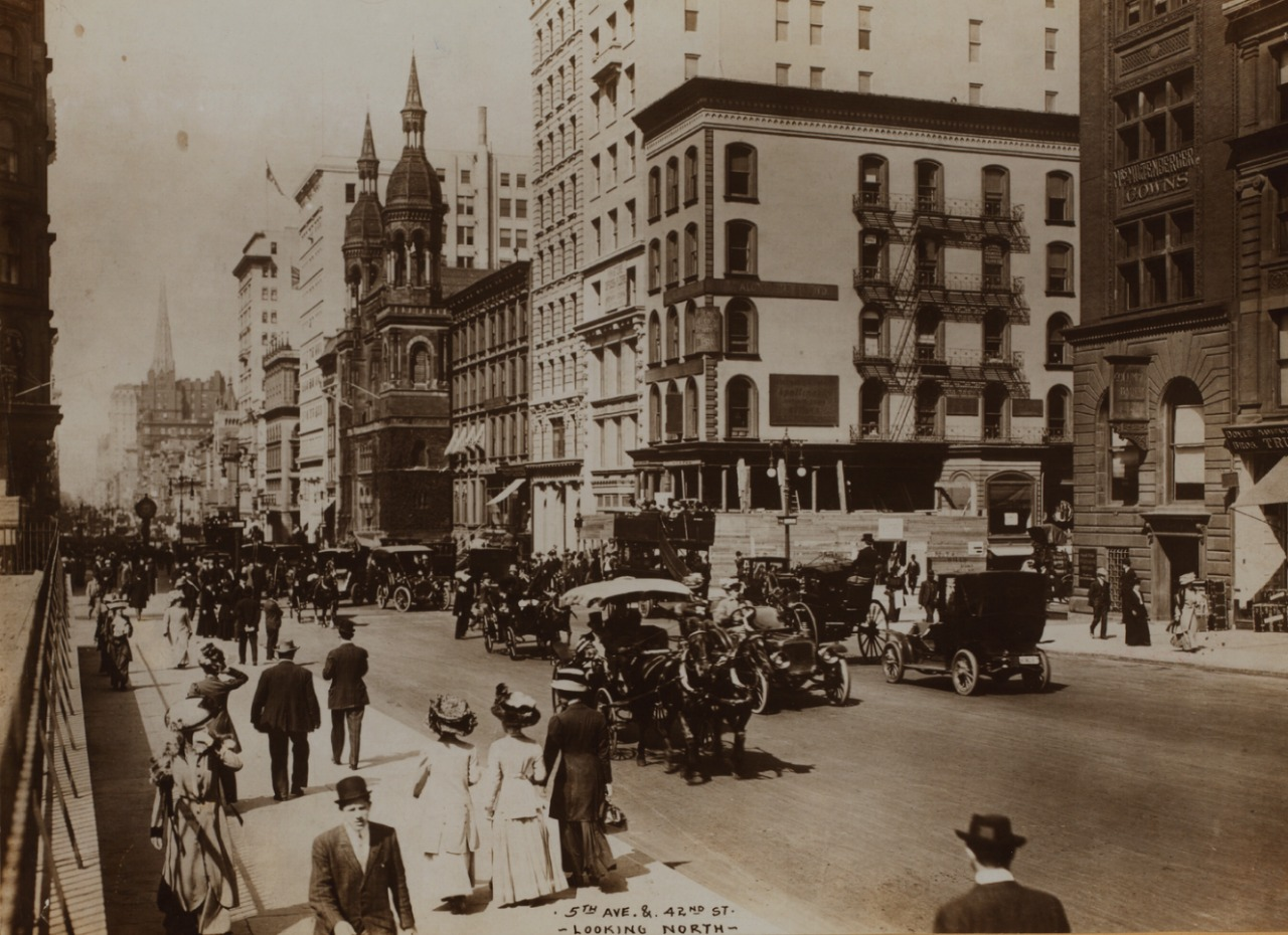 Fifth Avenue at 42nd Street in Manhattan (1905) (Irma and Paul Milstein Division of United States History, Local History and Genealogy, New York Public Library)