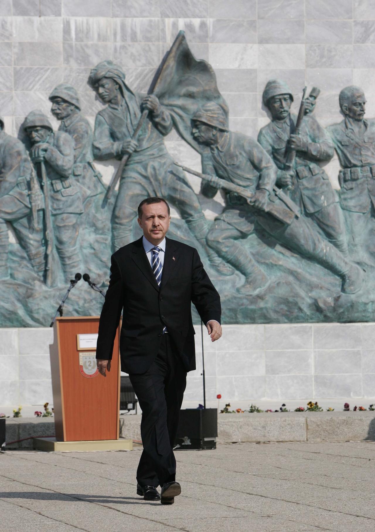 Recep Tayyip Erdoğan at the Çanakkale Martyrs' Memorial (photo by Randam, via Wikimedia Commons)