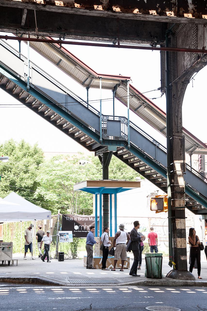 """The""""Boogie DownBooth""""Pop-Upinstallation underthe stairwaytothe2/5 elevatedsubwaylineatFreemanStreetintheBronx. Photo:WilliamMichaelFredericks.CourtesyoftheDesignTrustforPublicSpace"""
