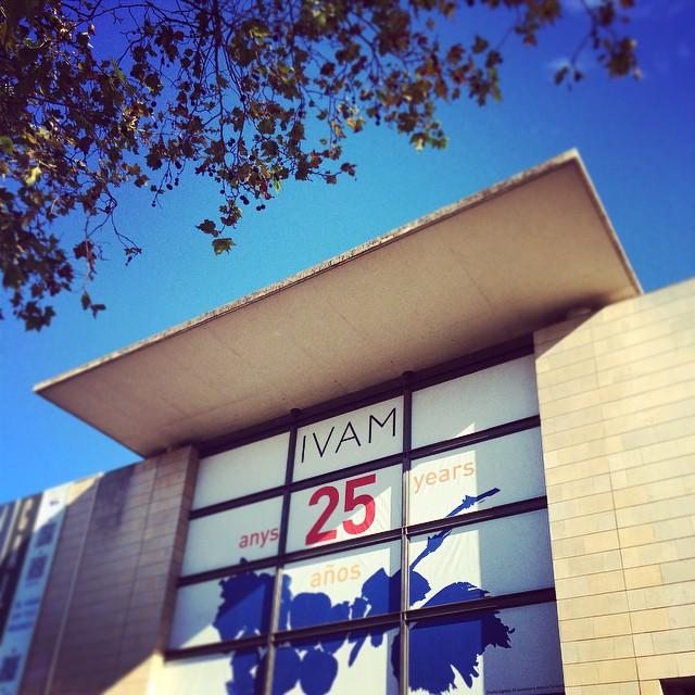 The exterior of the Institut Valencià d'Art Modern (photo by adventuro/Instagram)