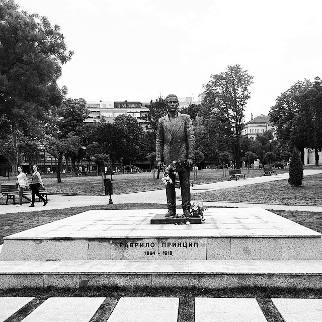 A statue of Gavrilo Princip in central Belgrade (Image via Instagram/dejandoc)