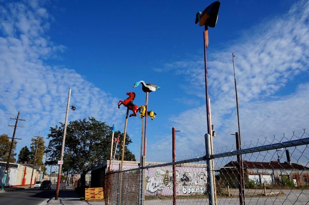 Dr. Bob's junk art in New Orleans (photo by Jillian Steinhauer/Hyperallergic)