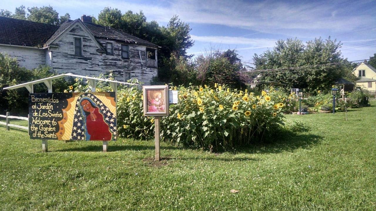 Museum plants artworks in detroit 39 s community gardens for Jardin etroit
