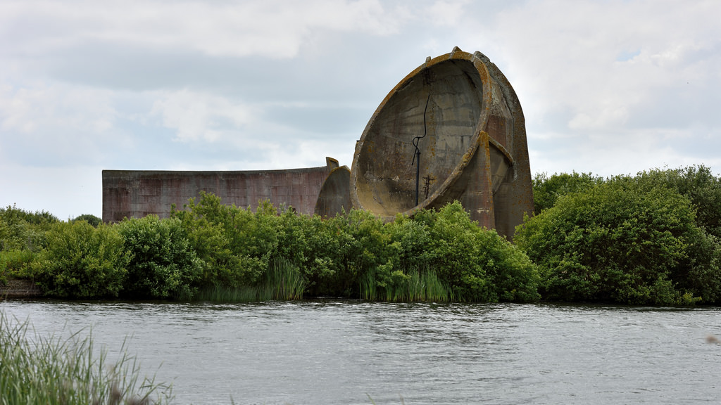 Acoustic mirrors at Romney Marsh, England (photo by Tom Lee, via Flickr)