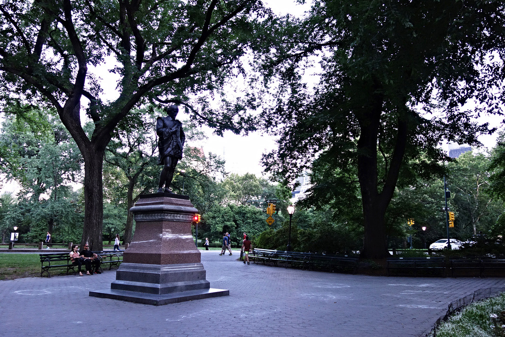 Statue of Shakespeare in Central Park