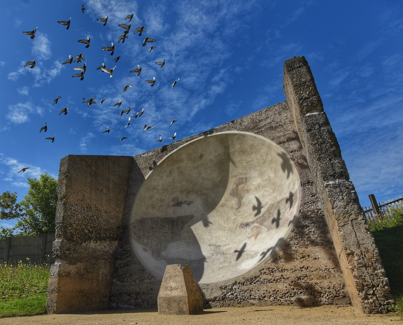 The restored Fulwell Acoustic Mirror (© North News and Pictures)
