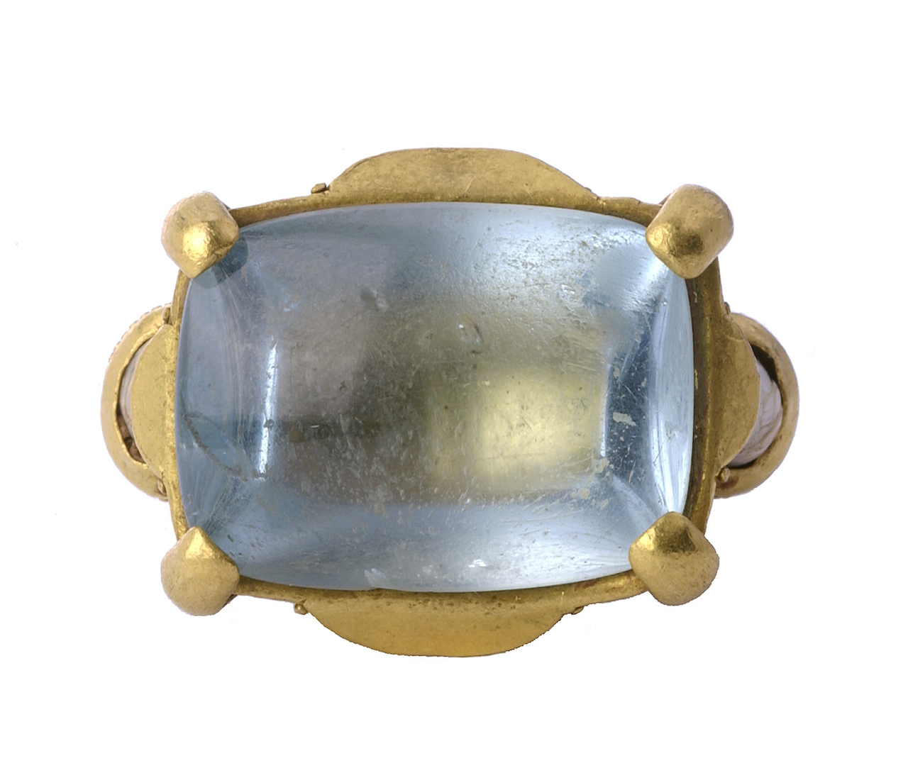 Byzantine gemstone ring (Byzantium, Constantinople, 12th-13th century), gold, aquamarine, and pearls (courtesy Griffin Collection, photo by Richard Goodbody)