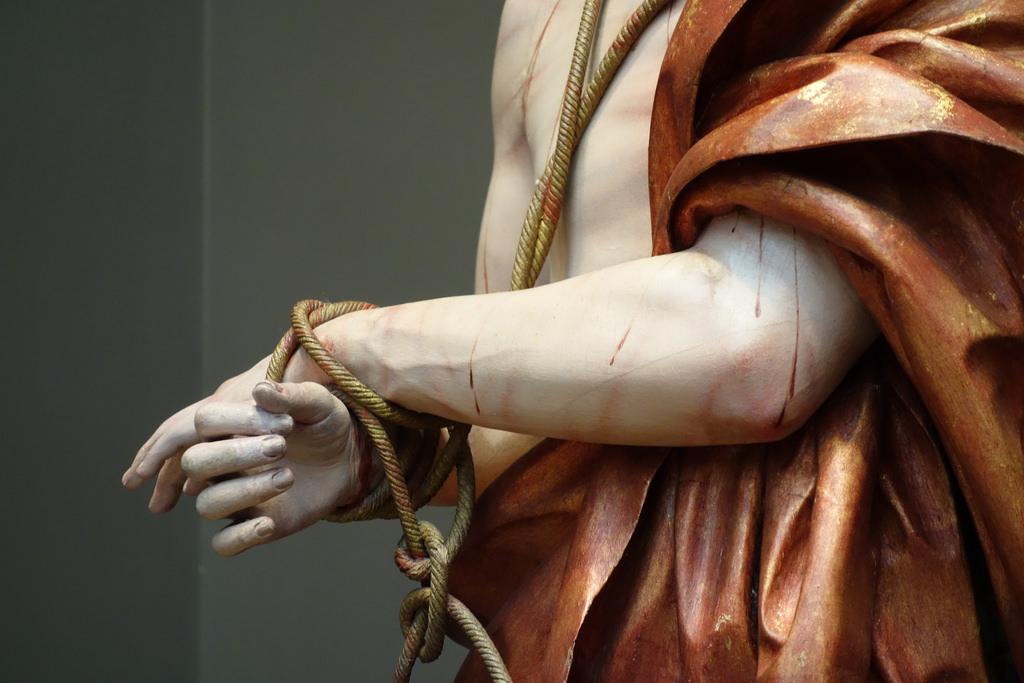 """Pedro de Mena, """"Ecce Homo"""" (detail) (1674-85), partial-gilt polychrome wood"""