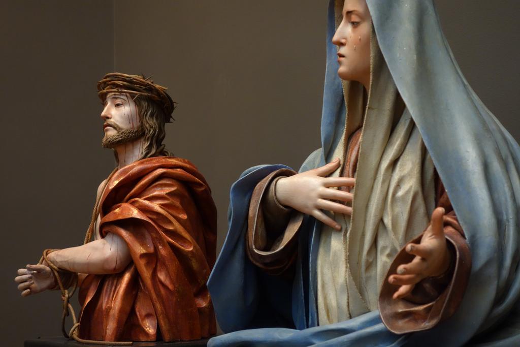 """Pedro de Mena, """"Ecce Homo"""" and """"Mater Dolorosa"""" (1674-85), partial-gilt polychrome wood"""