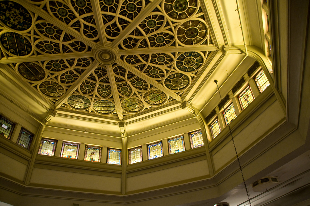 Ceiling of John's Pizzeria (photo by Art Bromage, via Flickr)