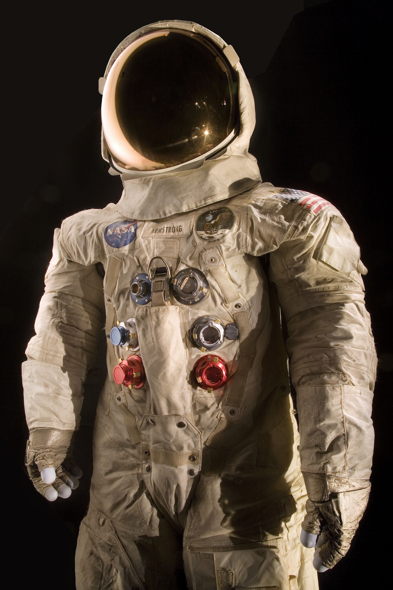 This spacesuit was worn by astronaut Neil Armstrong, Commander of the Apollo 11 mission, which landed the first man on the moon on July 20, 1969. (photo by Eric Long, National Air and Space Museum, Smithsonian Institution)