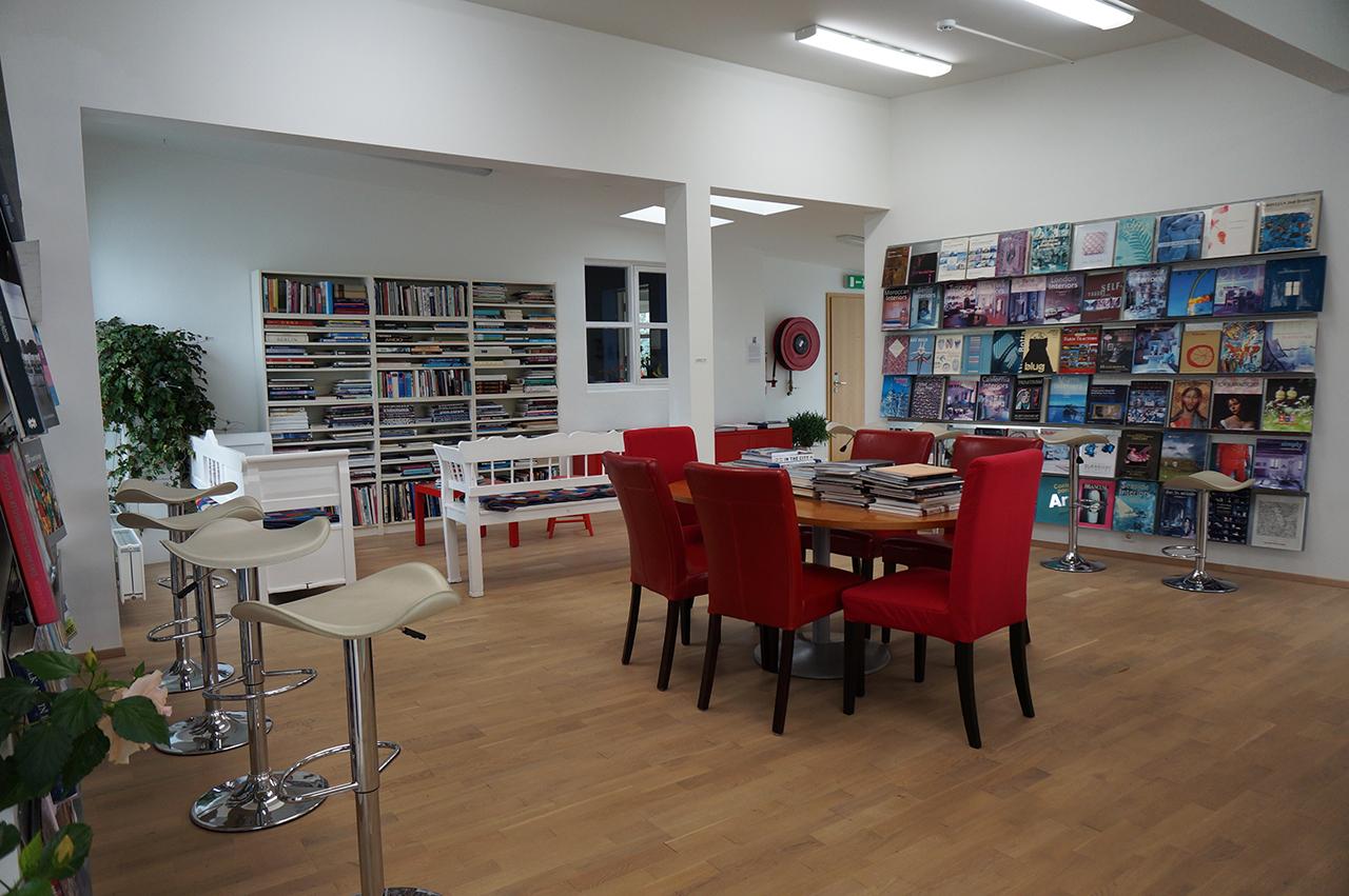 Safnasafnið's library