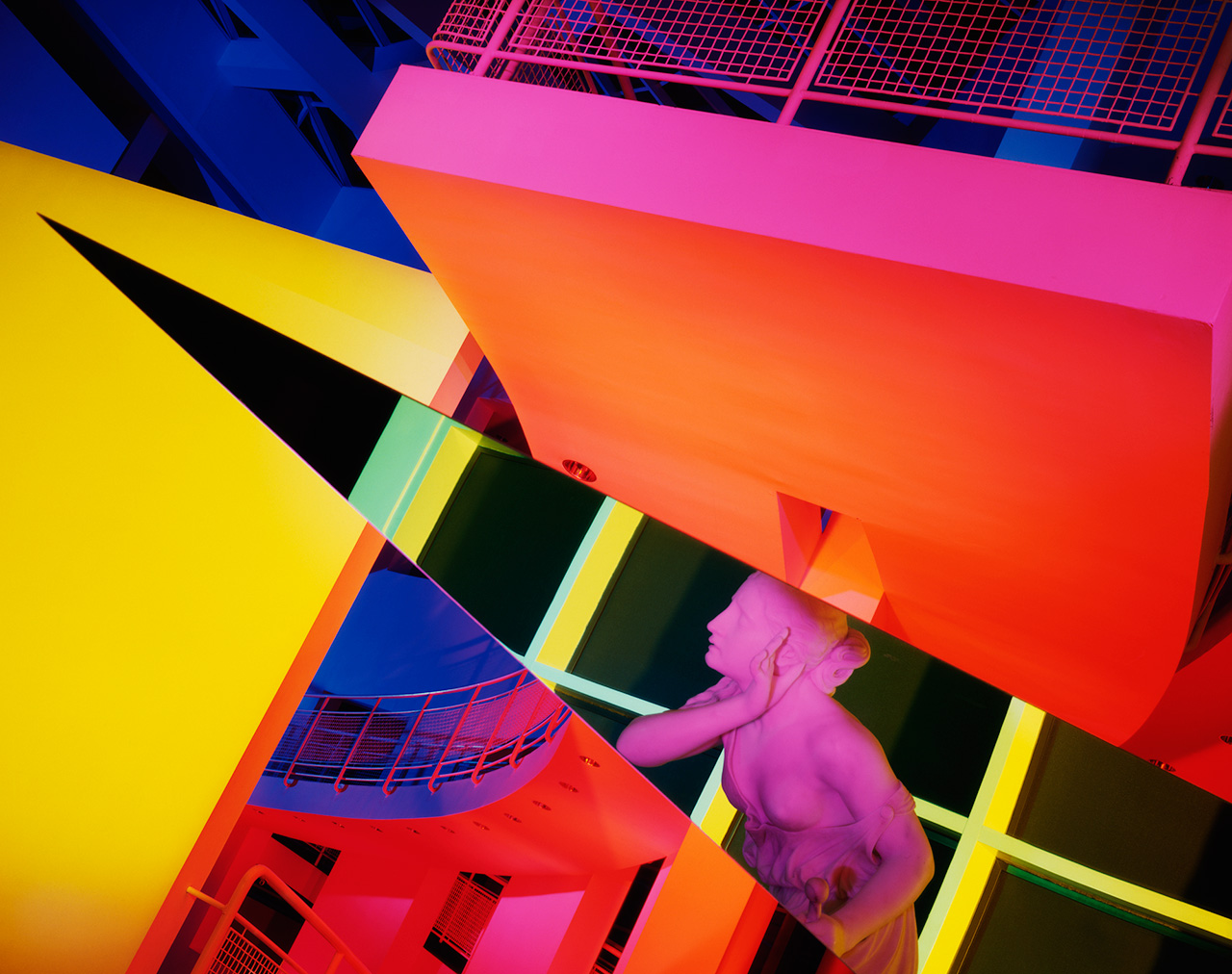"Barbara Kasten, ""Architectural Site 17, August 29, 1988"" (1988), cibachrome, 60 x 50 in. (location: High Museum of Art, Atlanta, Georgia; architect: Richard Meier) (courtesy of the artist)"