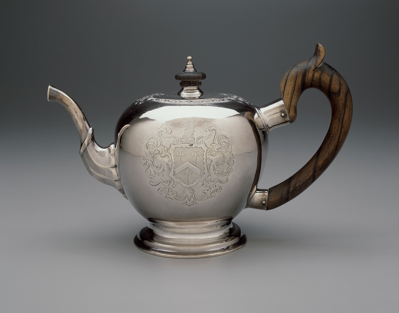Teapot by Jacob Hurd (Boston, about 1730–35), silver (Gift of William Storer Eaton in the name of Miss Georgiana G. Eaton, © Museum of Fine Arts, Boston)