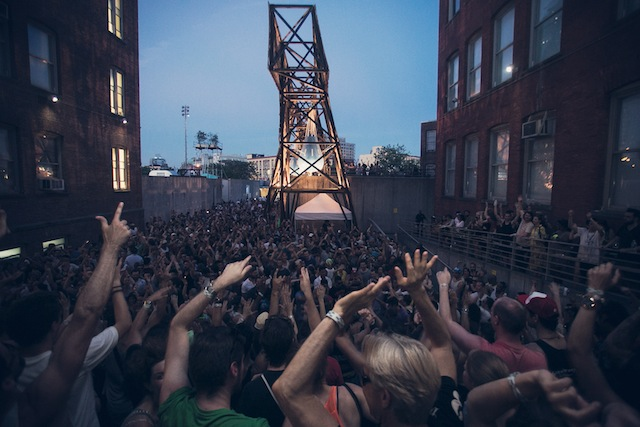 """PS1 draws thousands to its annual """"Warm Up"""" raves (image courtesy Charles Roussel of PS1)"""