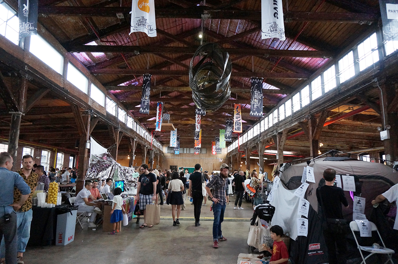The Internet Yami-Ichi at the Knockdown Center (all photos by the author for Hyperallergic unless otherwise noted)