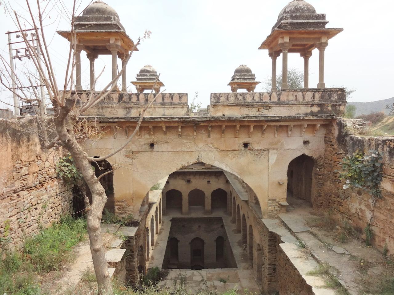 Mukundpura baoli, Narnaul, Haryana. © Victoria Lautman.