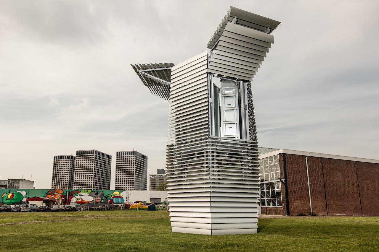 Daan Roosegaarde, the Smog Free Project (2015)