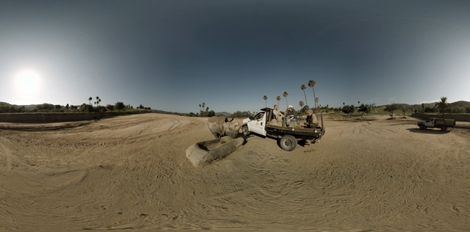 A 360° view of Nola the white rhinoceros at the San Diego Zoo