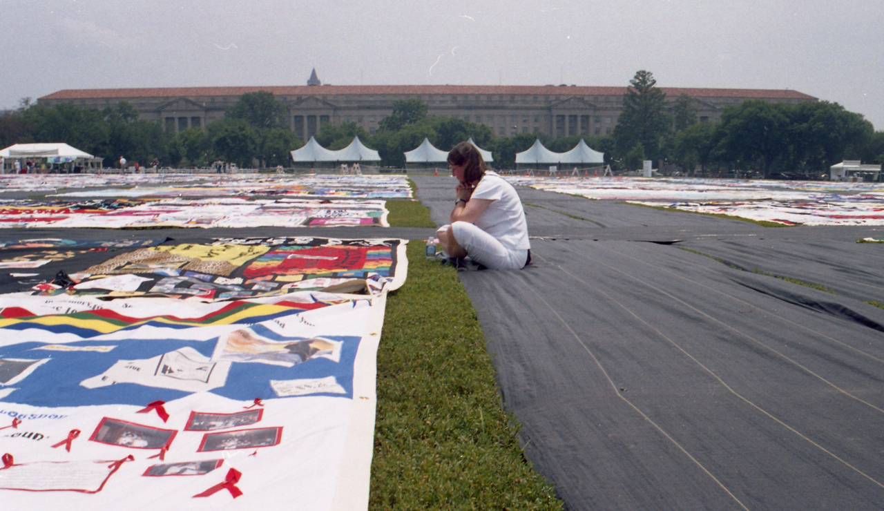 NAMES Project AIDS Memorial Quilt at Opening Ceremony on the Ellipse at Presidents Park in NW Washington DC (Photo by Elvert Barnes)