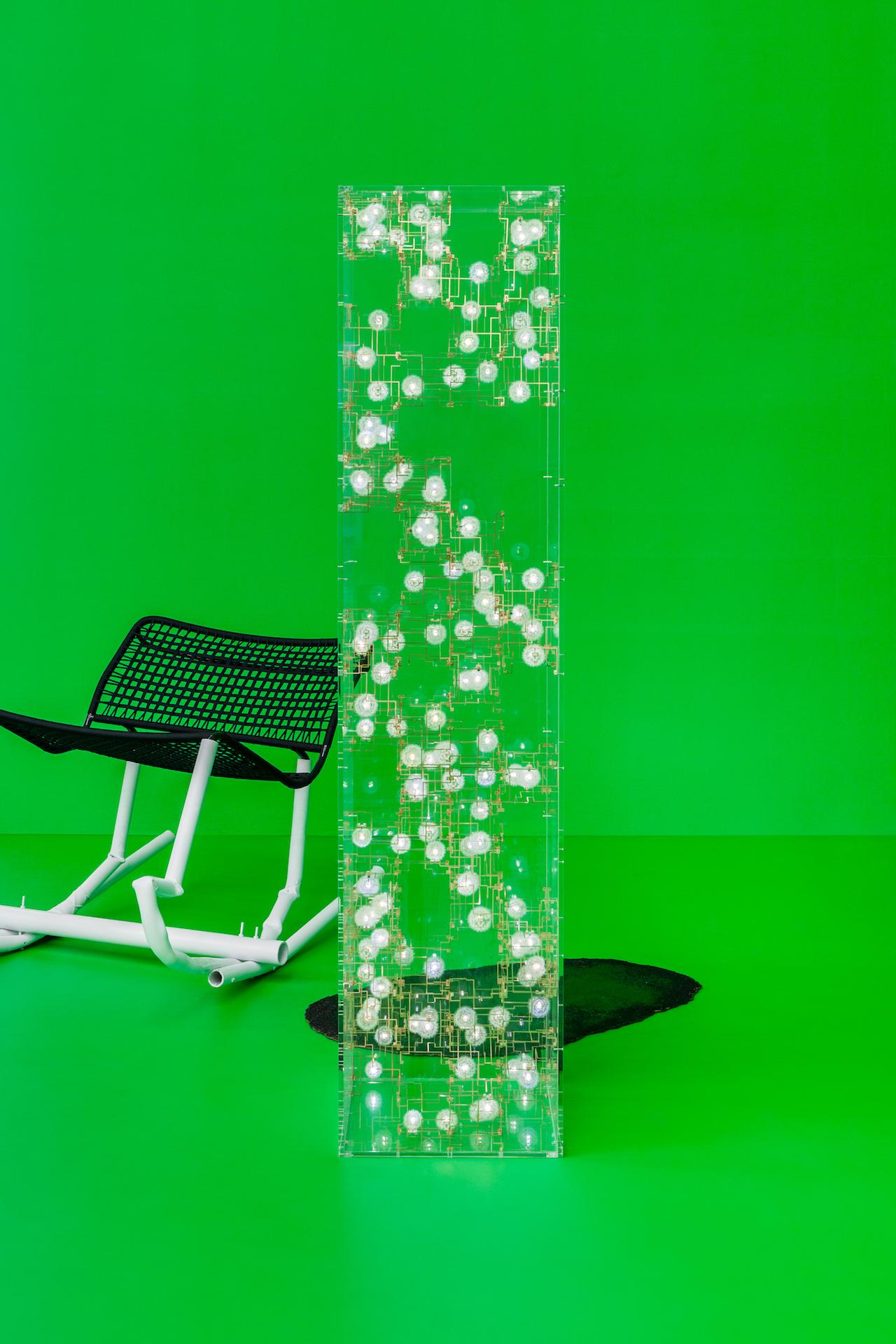 "Studio Drift, ""Fragile Future 3.13"" (2013), Dandelion seed, phosphorus bronze, LEDs, Perspex, 75.2 x 17.3 x 17.3 inches (click to enlarge)"