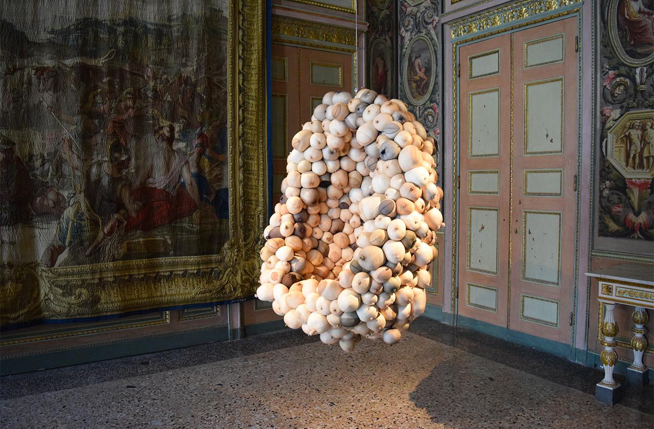 """Sarah Lucas, """"Mumum"""" (2012)"""