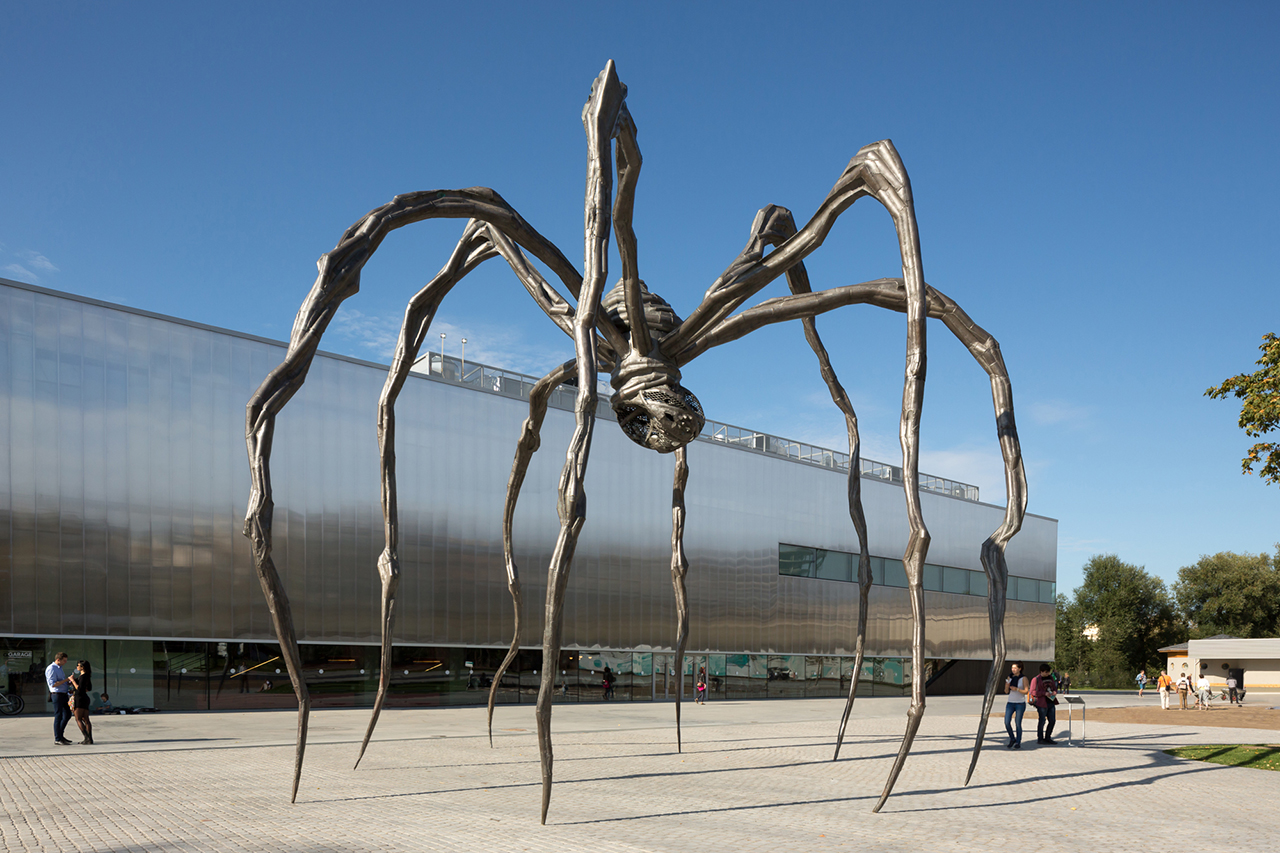 Louis bourgeoiss maman 1999 in front of the garage museum photo by egor