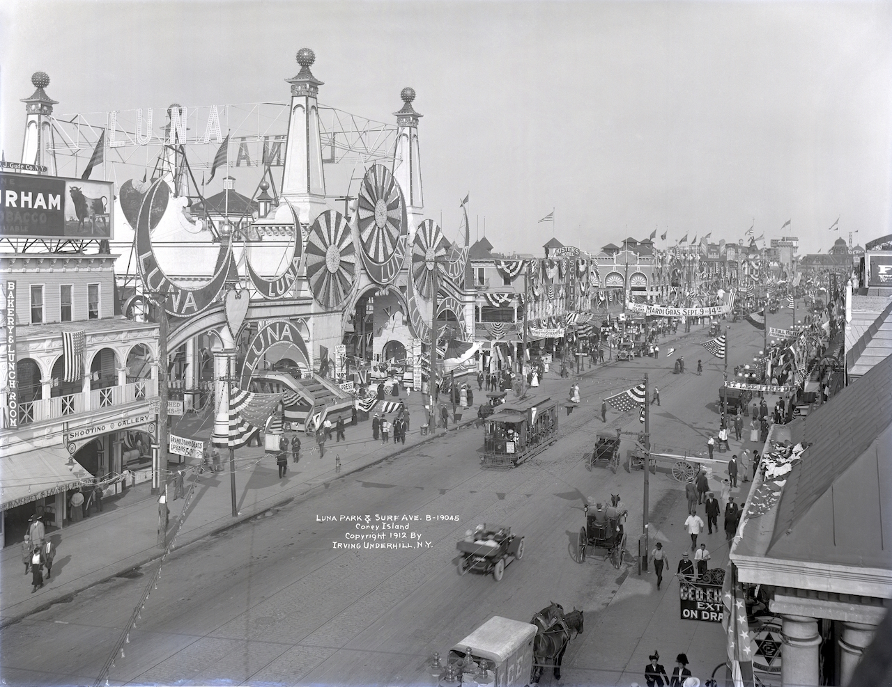 Irving Underhill (American, 1872ñ1960). Luna Park and Surf Avenue, Coney Island, 1912. Gelatin dry glass plate negative Brooklyn Museum, Brooklyn Museum/Brooklyn Public Library, Brooklyn Collection, 1996.164.8-B19045. (Photo: Althea Morin, Brooklyn Museum)