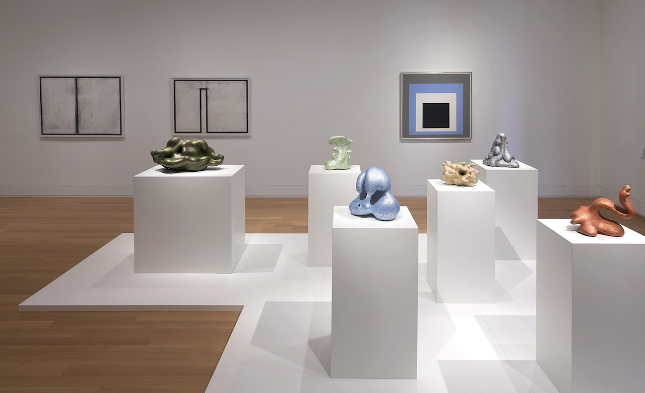 'The Ceramic Presence in Modern Art: Selections from the Linda Leonard Schlenger Collection and the Yale University Art Gallery,' installation view (all images courtesy of Yale University Art Gallery)