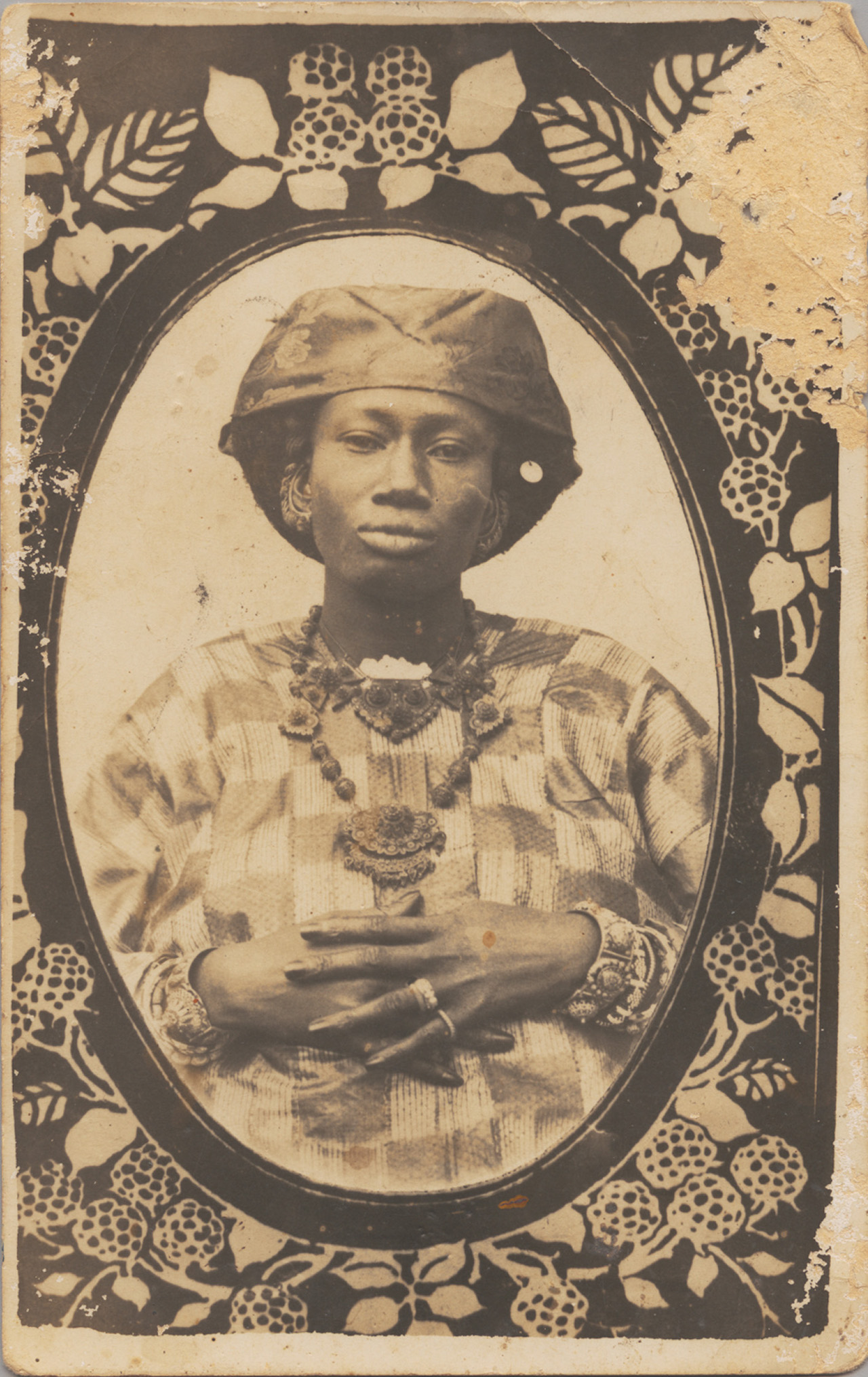 Unknown Artist (Senegal) Senegalese Woman, 1910s Postcard format gelatin silver print 5 x 3 in (14 x 8.9 cm) Visual Resource Archive, Department of the Arts of Africa, Oceania, and the Americas