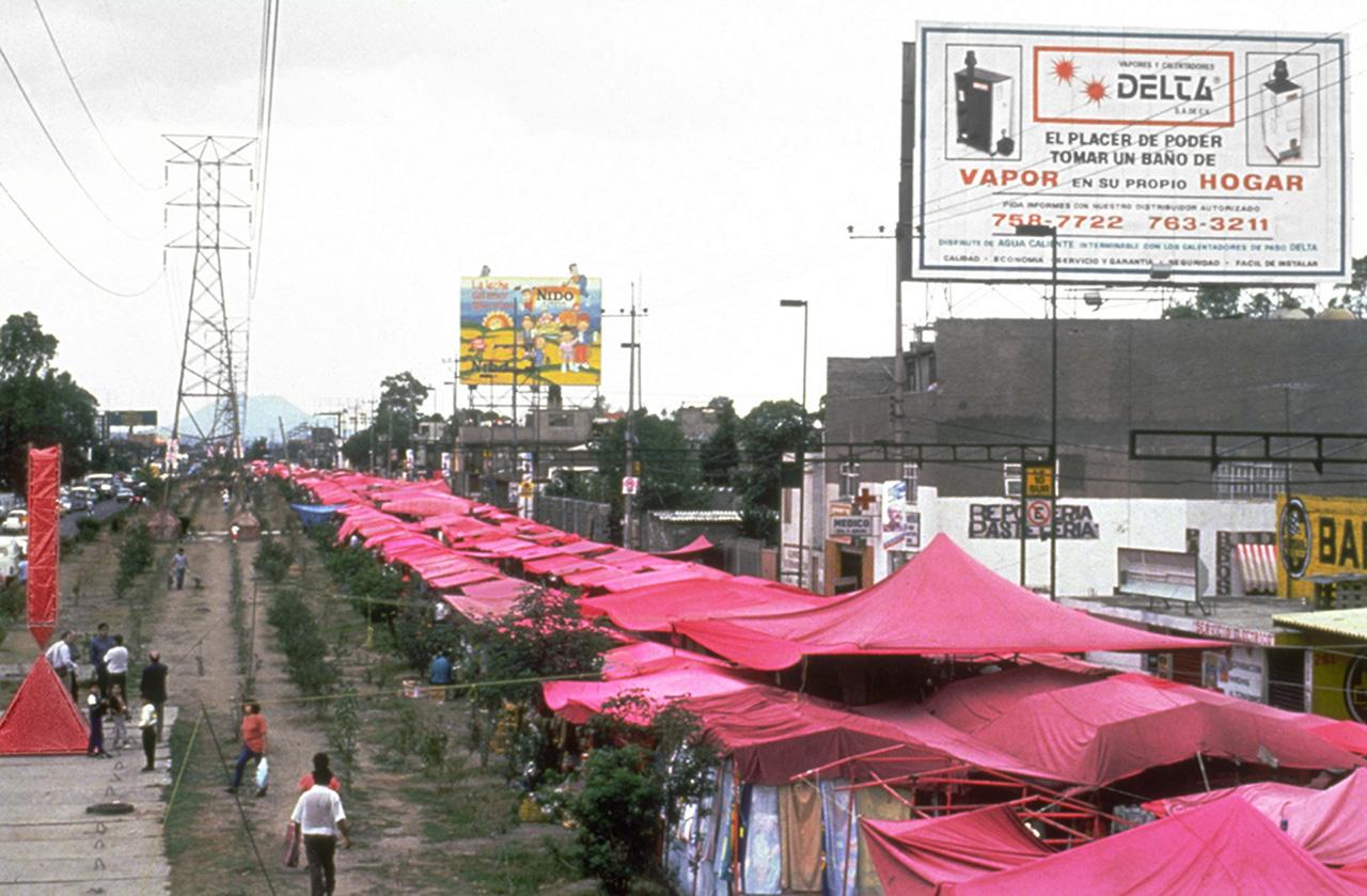 "Eduardo Abaroa, ""Obelisco roto portátil para mercados ambulantes"" (1993), plastic sheeting, metal and photographic documentation. (image courtesy the artist)"