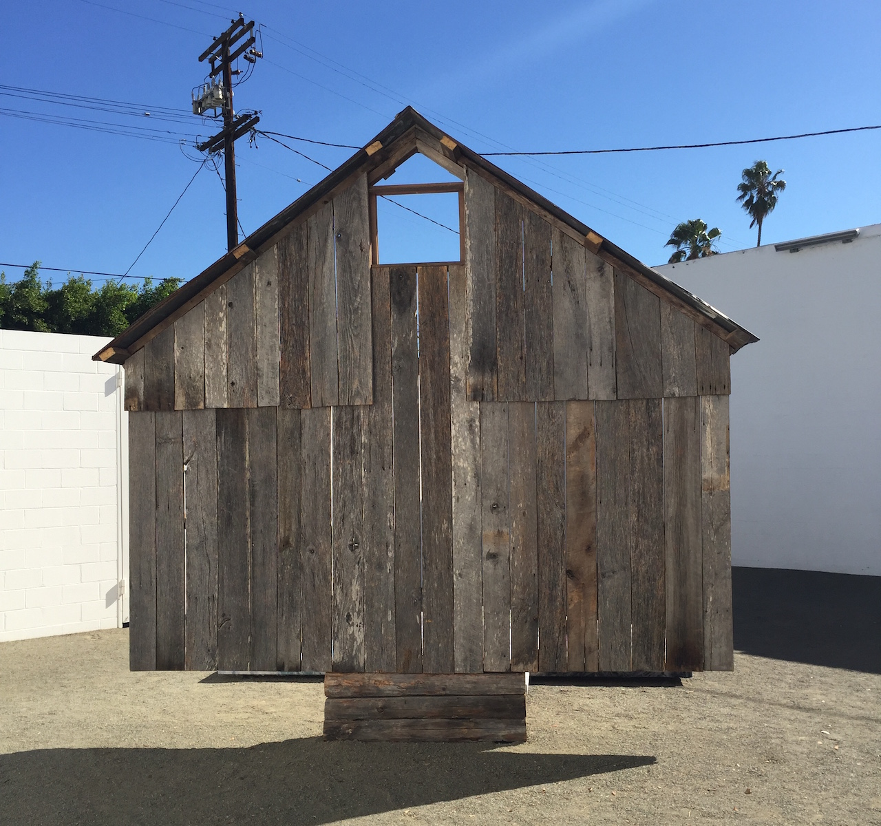 """April Street, """"Portrait of a Barn: 1840–2015"""" (2015), reclaimed wood, tin, steel, bronze, acrylic, hosiery, and canvas (all photos by the author for Hyperallergic)"""