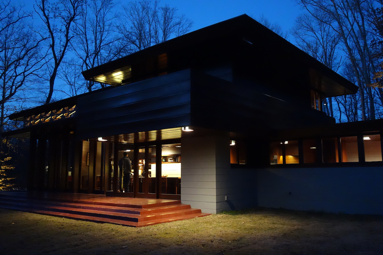 Frank Lloyd Wright's Bachman-Wilson House at Crystal Bridges Museum of American Art, Bentonville, Arkansas (all photos by the author for Hyperallergic)