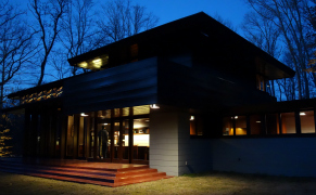 Post image for Encountering a Frank Lloyd Wright House 1,200 Miles from Where It First Stood
