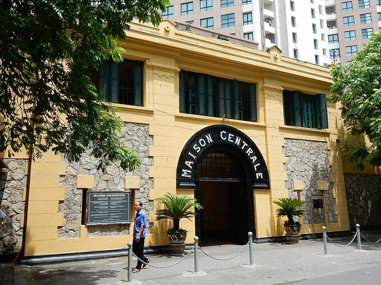 The entrance to the Hoa Lo Prison Museum (photo by Michael Coghlan/Flickr)