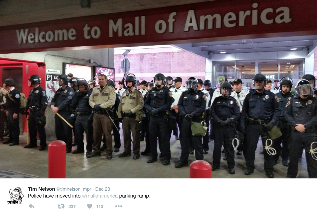 This may have been one of the scariest images to come out of the Black Lives Matter protest at Minneapolis's Mall of America. (via @timnelson_mpr)