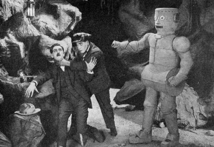 Still from 'The Master Mystery' (1919) with Q the Automaton (via SciFist)
