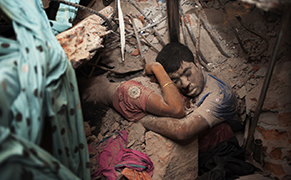 Post image for Bangladeshi Photographers Capture the Fallout from Their Country's Globalization