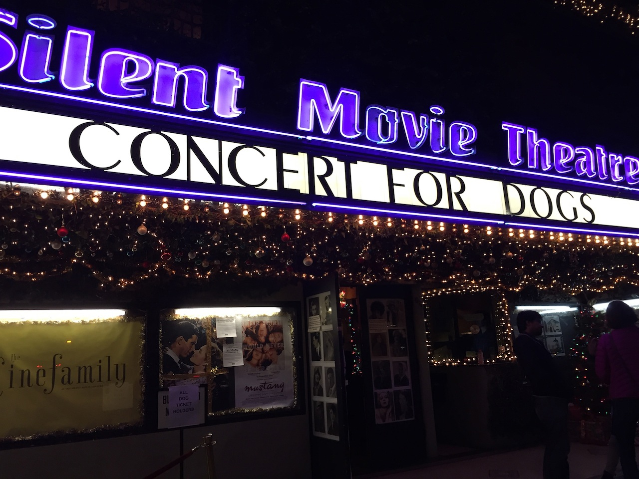 Concert for Dogs at the Cinefamily, December 20, 2015 (all photos by the author for Hyperallergic)