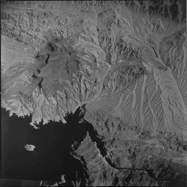 Aerial photograph of the Hoover Dam on the Border of Nevada and Arizona (10/30/1955) (via Records of the Defense Intelligence Agency/National Archives)