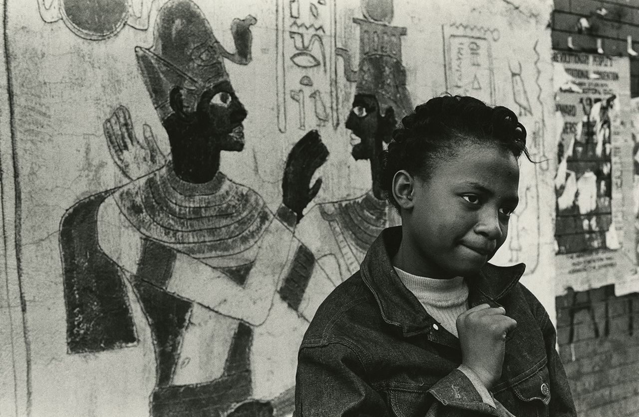 Girl with Egyptian painting, New York, c. 1965 Vintage gelatin silver print, printed c. 1965 11 x 14 inches (all images courtesy Steven Kasher Gallery)