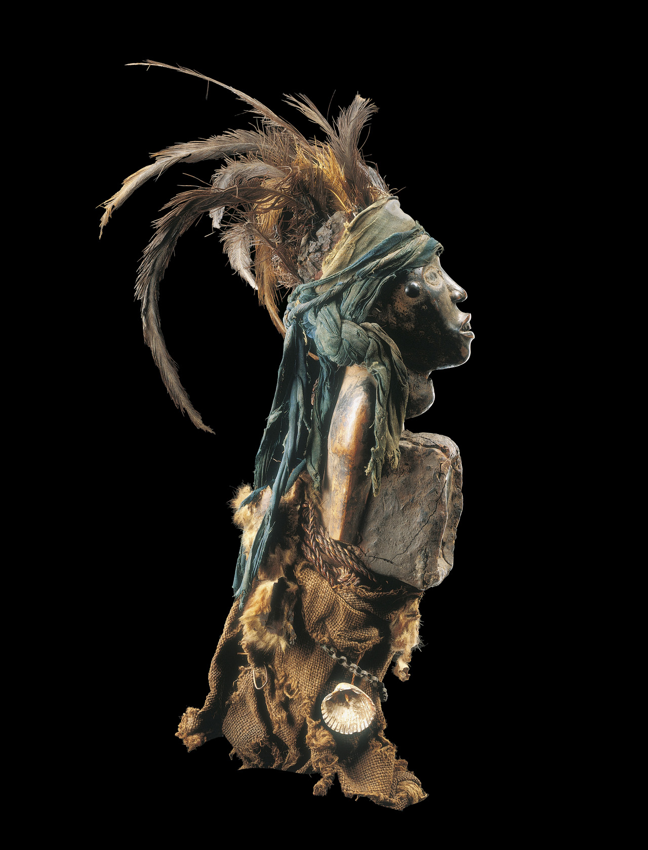 """Bakongo (Democratic Republic of the Congo), """"Nkisi Statuette"""" (late 18th century) (© and rights reserved Musée Dapper, Paris)"""