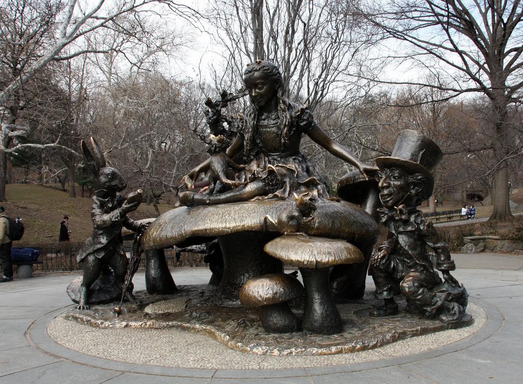 """""""Alice in Wonderland"""" in Central Park (photo by Andrés Nieto Porras/Flickr)"""