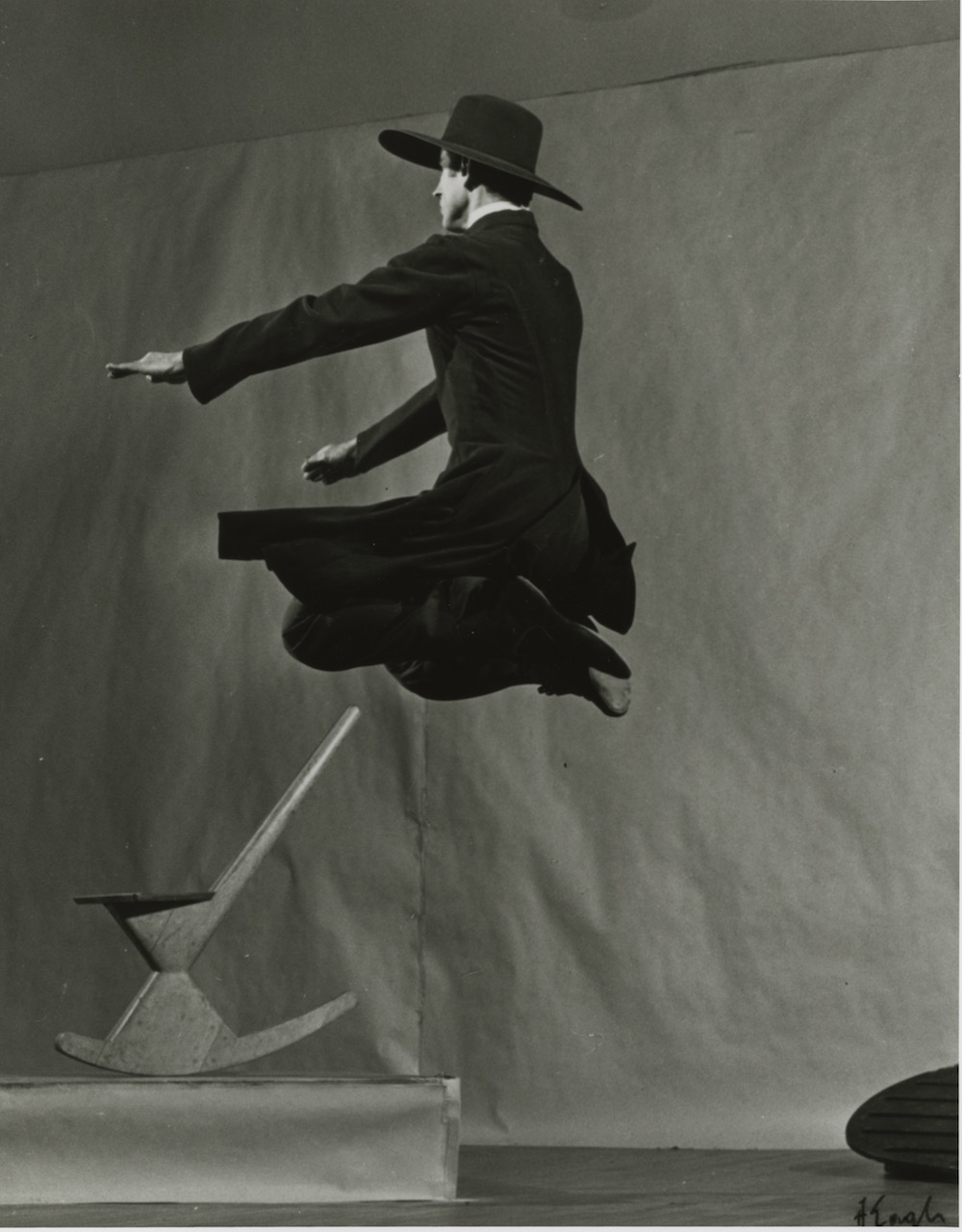 Bertram Ross in 'Appalachian Spring' (photo by Arnold Eagle, courtesy Martha Graham Center of Contemporary Dance)