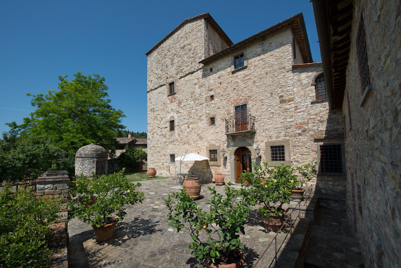 Villa Michelangelo (all images courtesy Handsome Properties)