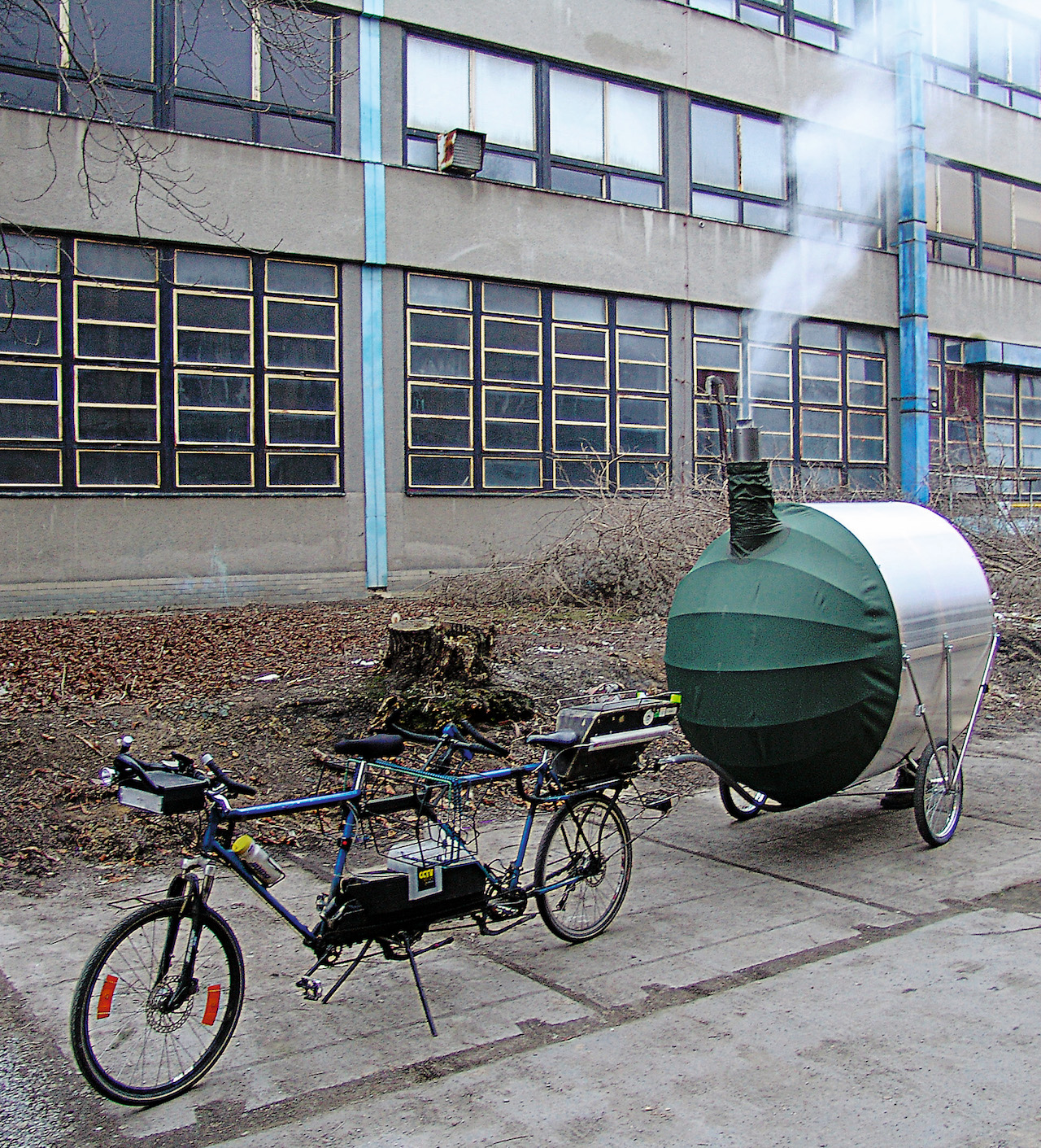 """H3T Architects, """"Bicycle Sauna"""" (2011) in the Czech Republic (or elsewhere) (photo by H3T Architekti)"""