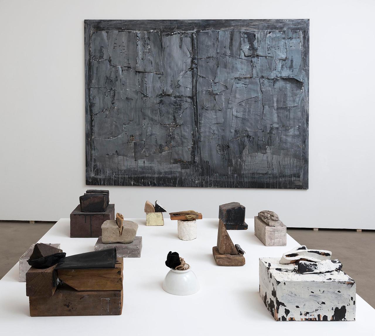 Installation view, 'Luisa Gardini   1965–2015' (2016) at Federica Schiavo Gallery (photo by Giorgio Benni, courtesy Federica Schiavo Gallery, Rome)