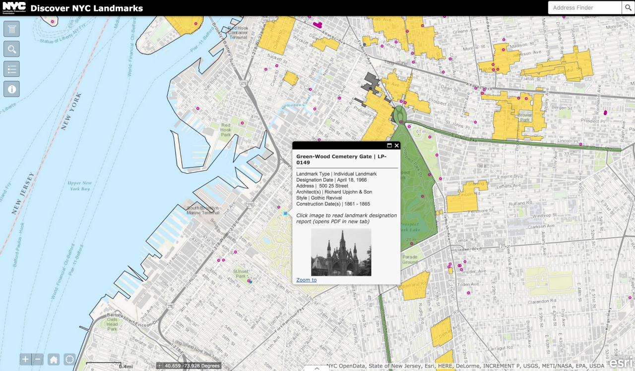 The gate of Green-Wood Cemetery on Discovery NYC Landmarks (screenshot by the author for Hyperallergic)