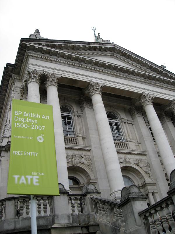 BP signage at Tate Britain (photo by Rizka Budiati Szkutnik/Flickr)