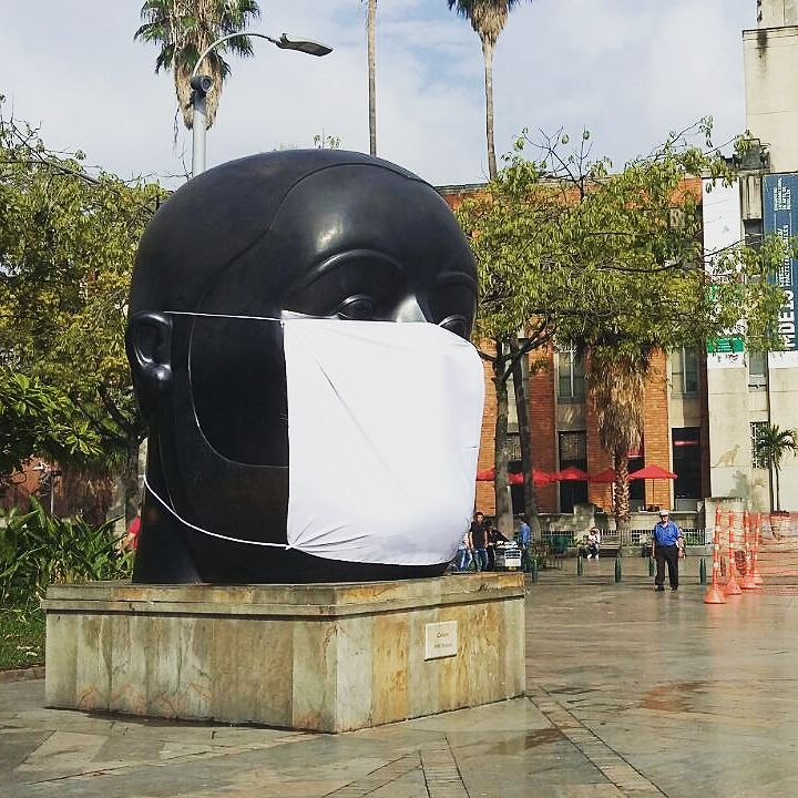 A sculpture by Botero in Medellin's Plaza Botero, covered up to protest air pollution (photo via @laciudadverde/Instagram)